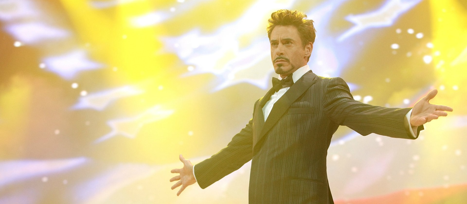 tony-stark-robert-downey-stage-iron-man_1389685528