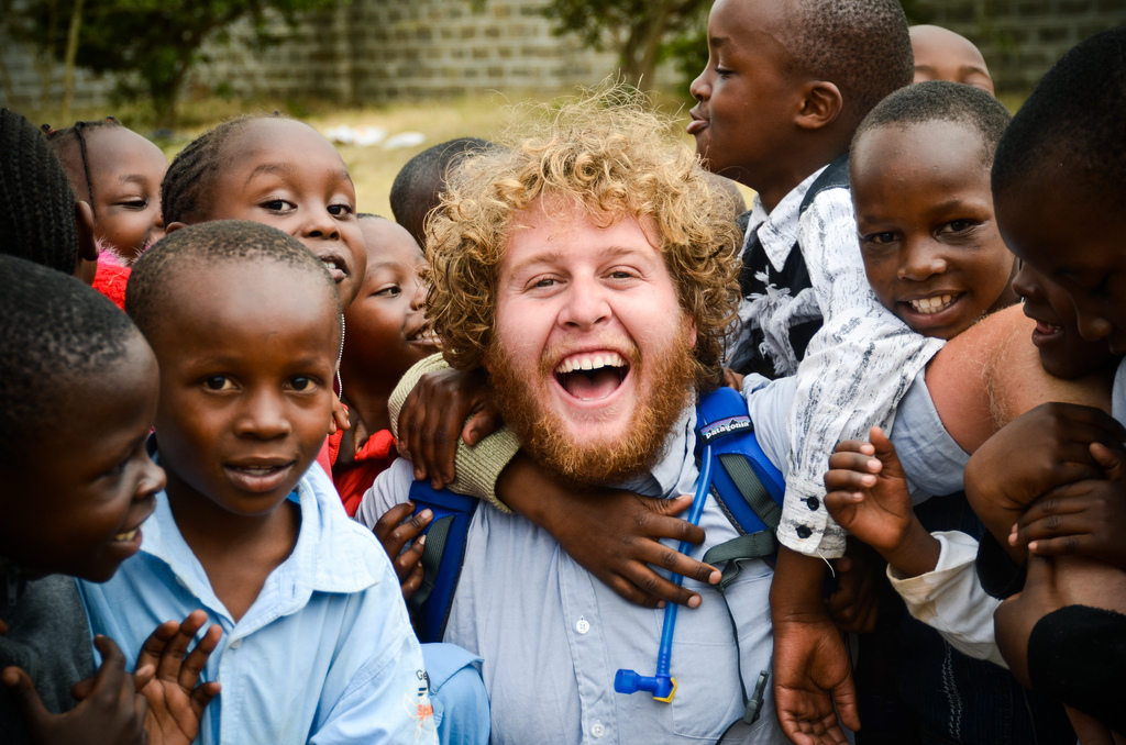 Robert-with-Kids-in-Kenya